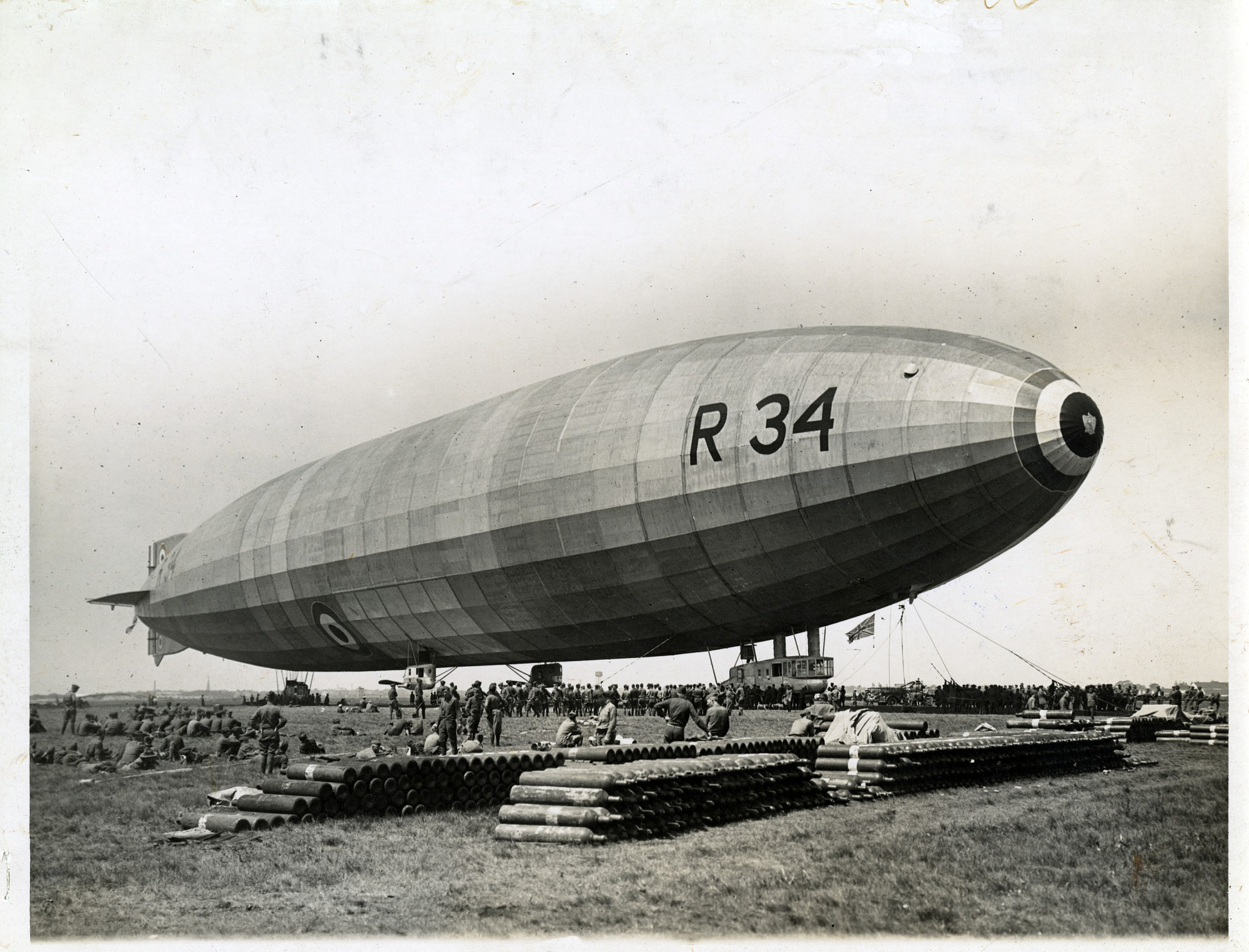 Airship R.34: A giant Scottish-built record breaker